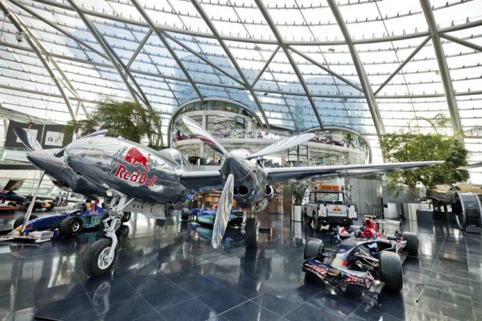 Выставочный павильон Red Bull «Ангар-7»